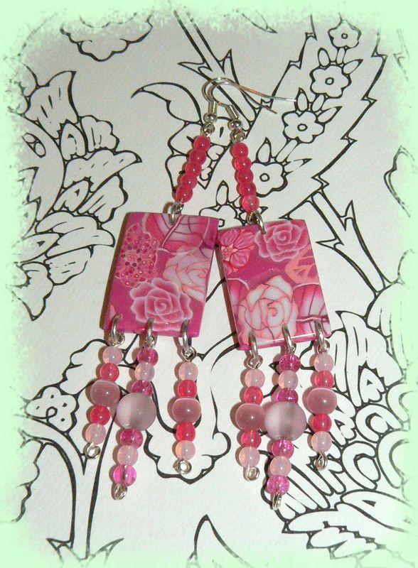 Longues boucles roses