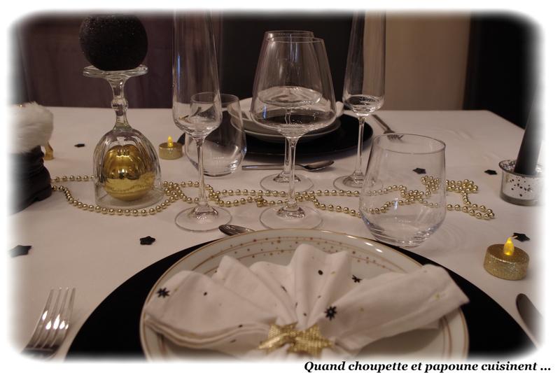 table du nouvel-an éclat d'or et noire-1308