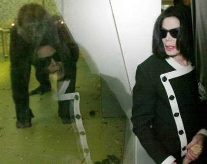 michael-jackson-attends-zoo-in-berlin(291)-m-3