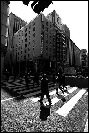 183_Crossing_Ginza_2