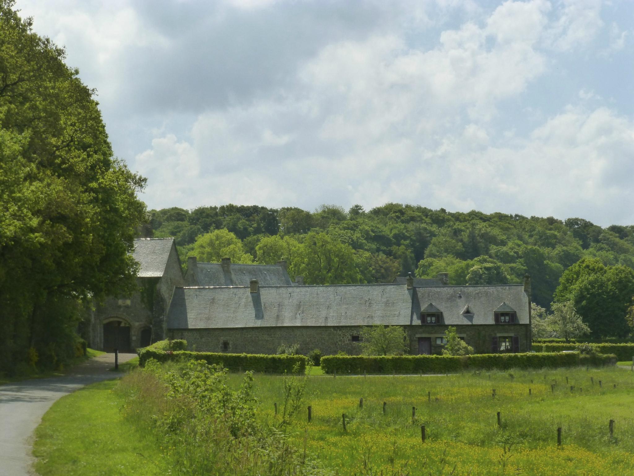 balade à cheval médiévale - Abbaye de Hambye (91)
