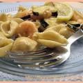 Conchiglie aux courgettes et scampis, sauce au citron