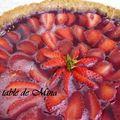 Tarte aux fraises en gelée de vin rouge