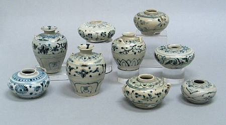 A selection of nine blue and white vessels. Late 15th/Early 16th Century