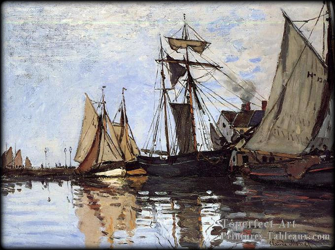 3_Bateaux_in_the_Port_of_Honfleur_Claude_Monet
