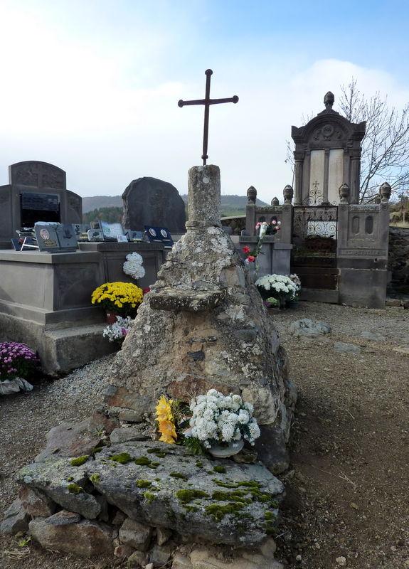 cimetière de Saint-Hérent