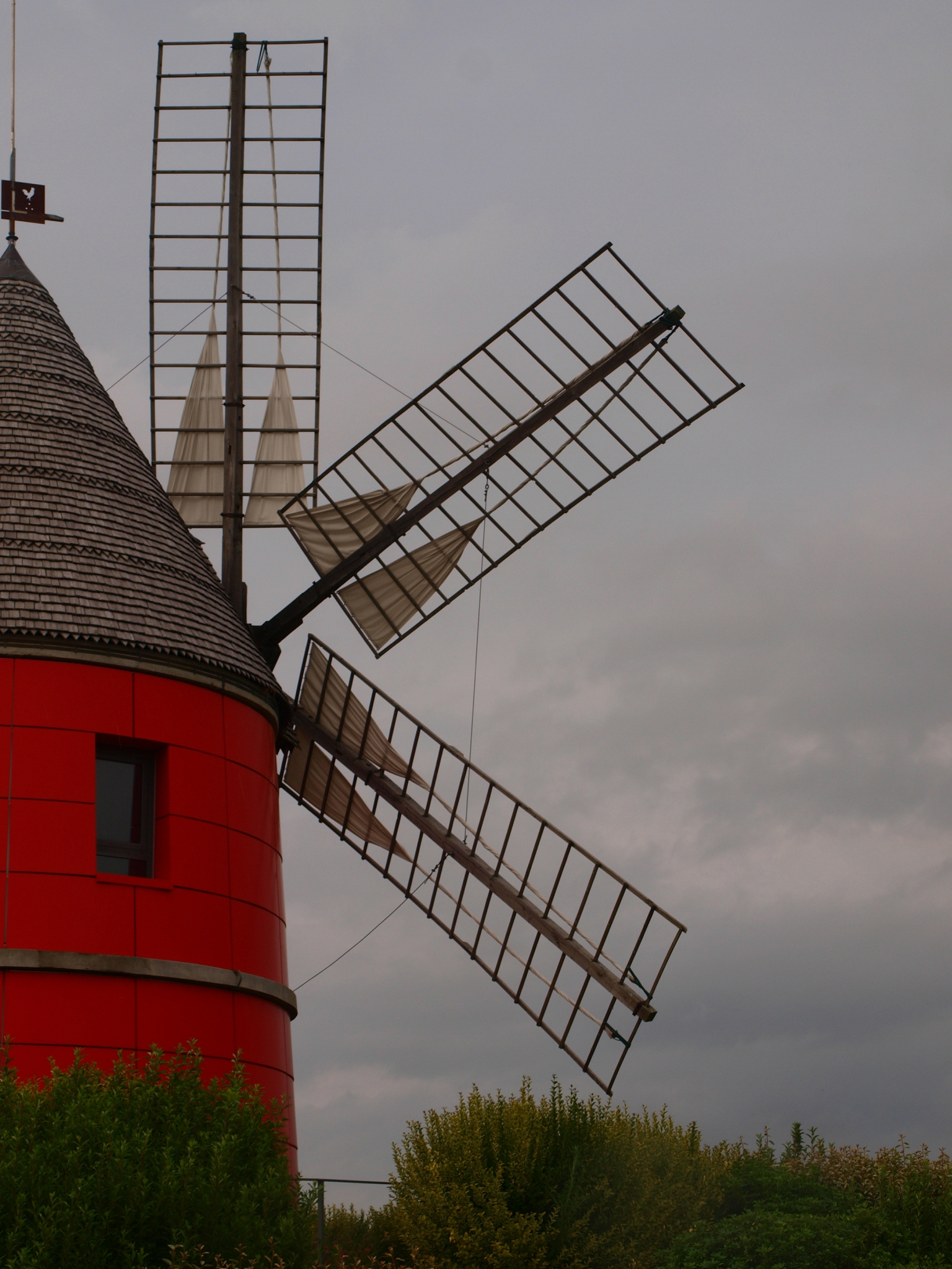 MOULIN ROUGE... de Nailloux