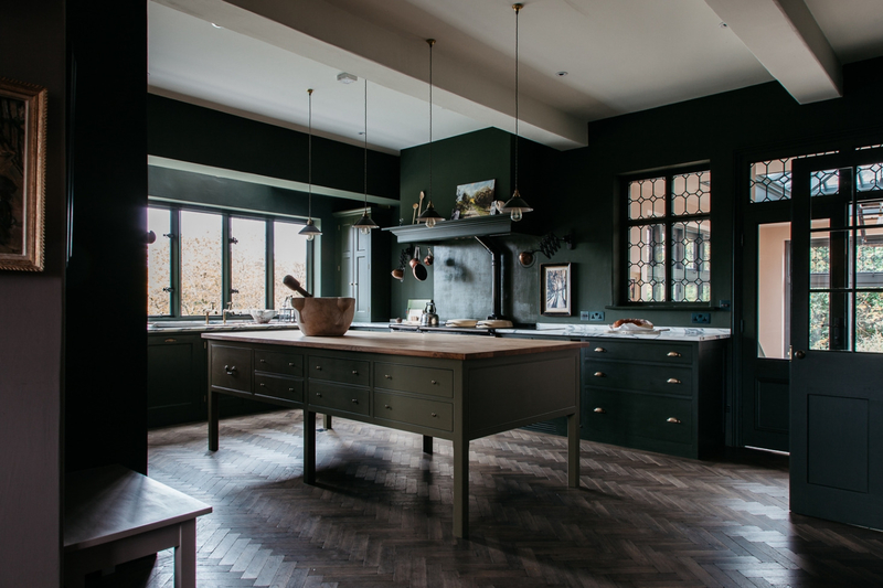 plain-english-home-house-shropshire-green-kitchen-full-1466x977
