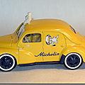 21 Renault 4cv Michelin A 3