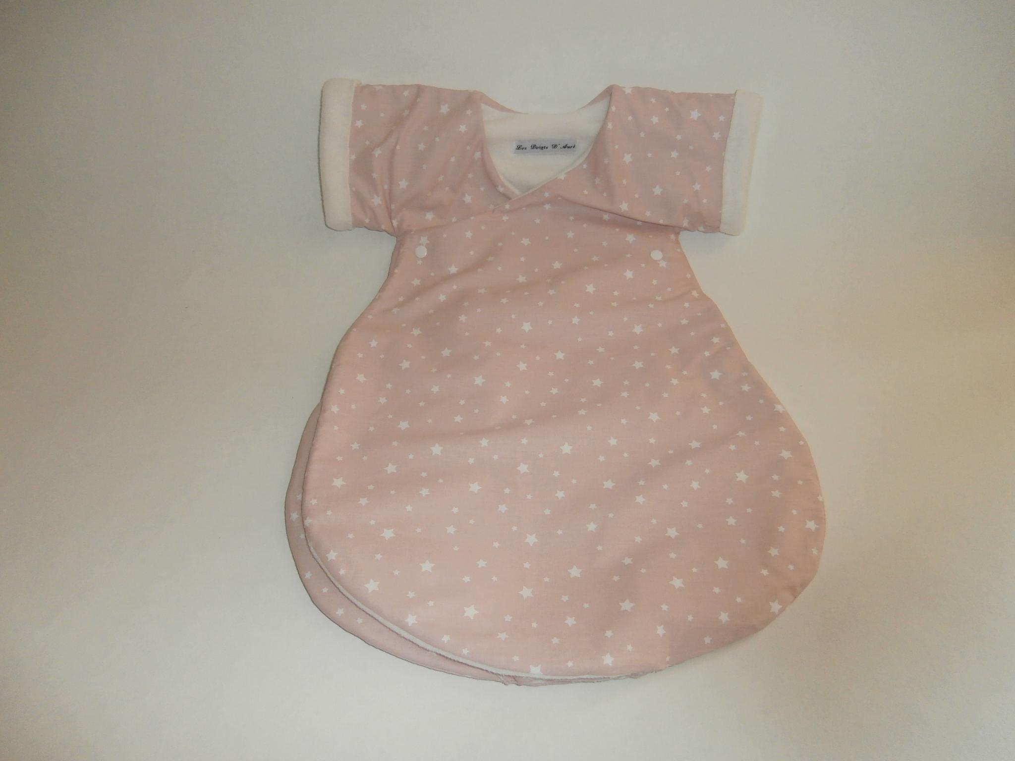 gigoteuse 3/6 mois, possibilité autres tailles, fermeture croisée par pression, très pratique avec nouveau-né. Tissus à choisir ensemble. 45€ sur commande