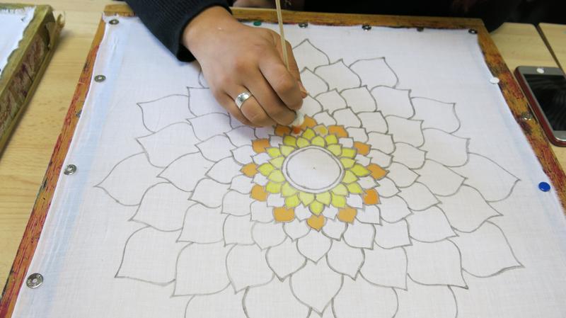 Atelier mandala sur coton à Buc