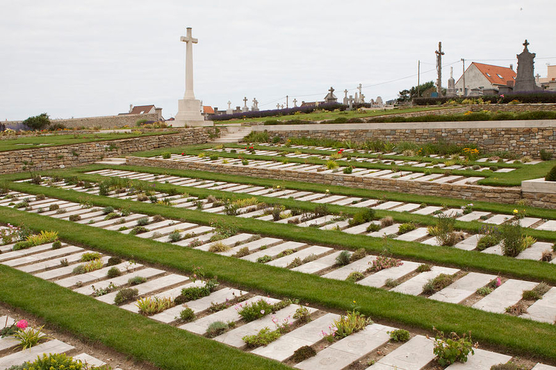 zoom_1280px-Wimereux_Communal_Cemetery_1_1_