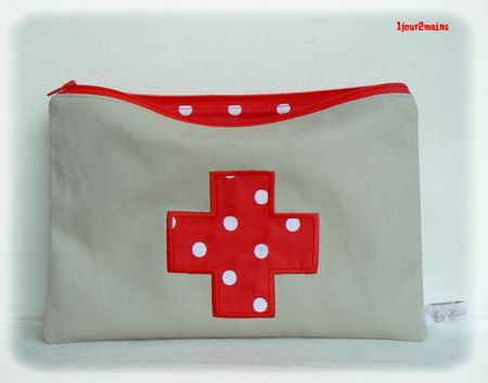 trousse pharmacie pois
