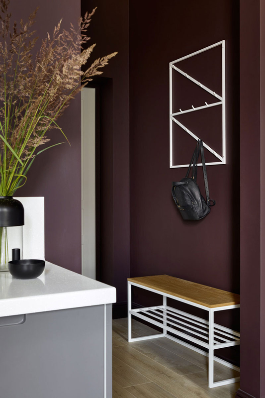 small-apartment-in-beautiful-dark-tones-in-moscow-pufikhomes-5