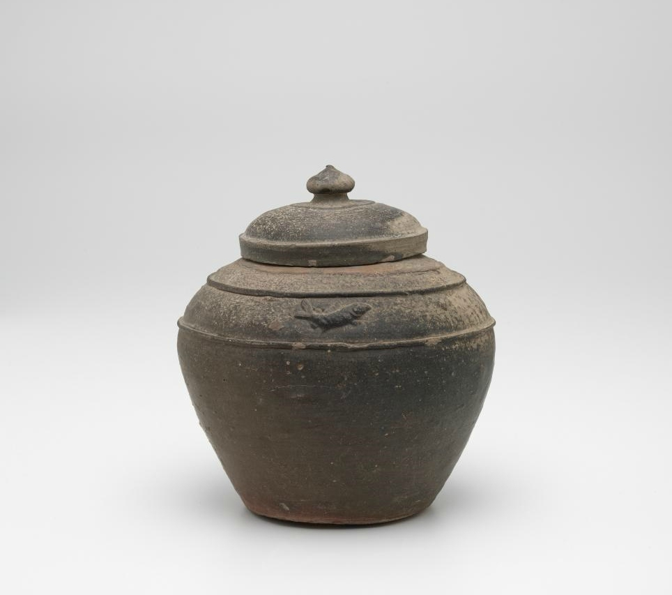 Covered jar, Vietnam, 13th century-14th century