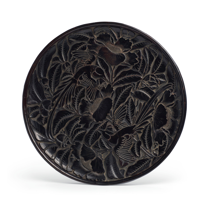 2019_NYR_17837_1124_000(a_carved_black_lacquer_circular_dish_china_yuan-early_ming_dynasty_14t)