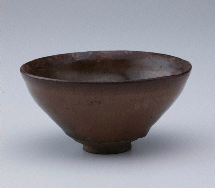 Jian ware tea bowl, 12th century-13th century, China, Song dynasty (960-1279), 6.3 x 12.3 cm (irreg.). Bequest of Eleanor Hinder through her executors 1979. 92.1979. Art Gallery of New South Wales, Sydney (C) Art Gallery of New South Wales, Sydney