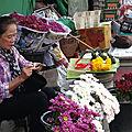Les gens du marché.