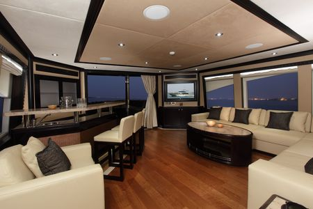 Majesty_125_Panoramic_Saloon___Bar_Upper_deck