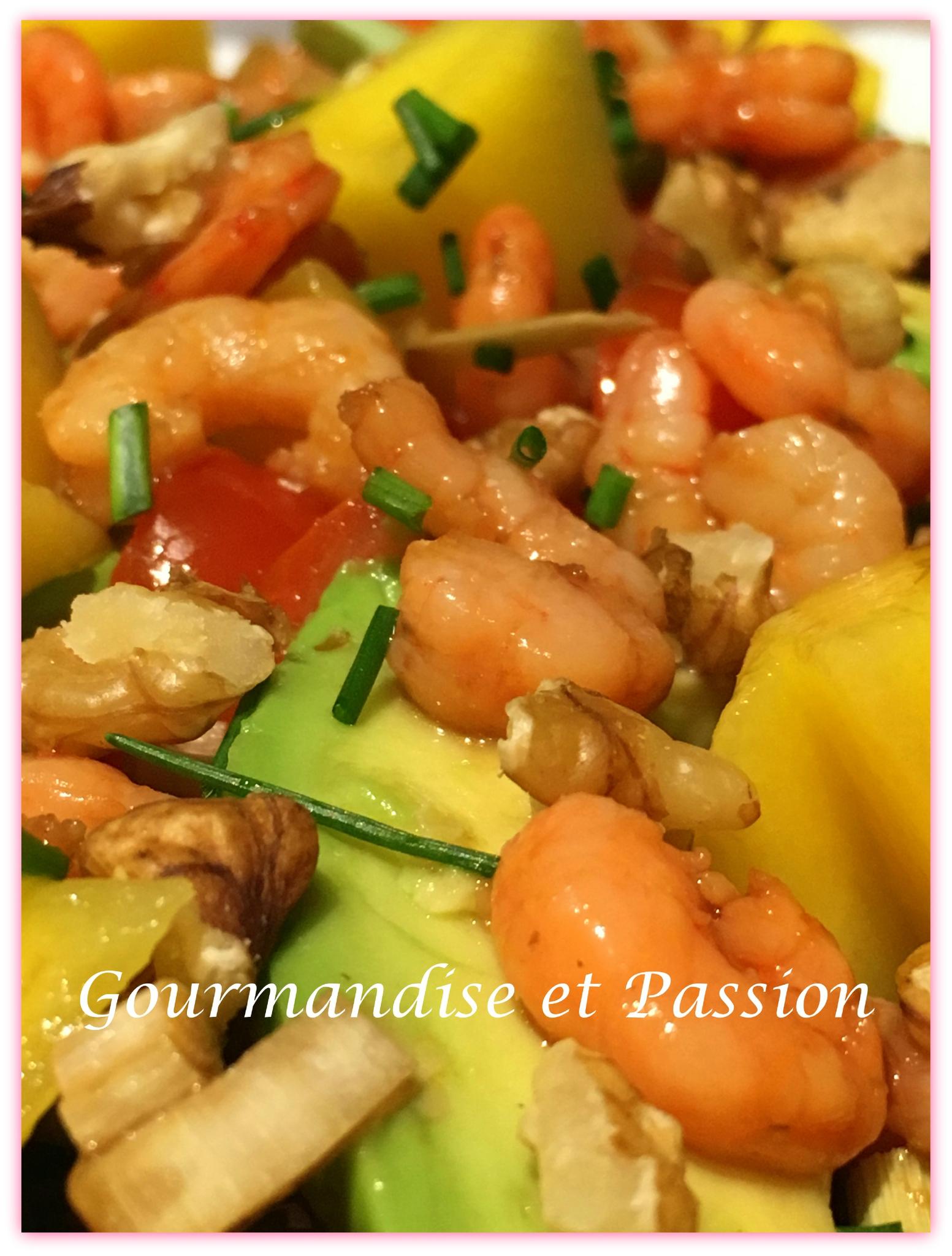 Salade de crevettes marinées, avocat, mangue
