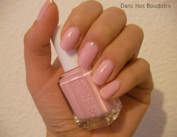 essie-no baggage please