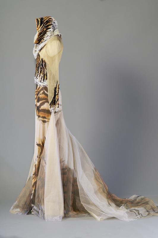 Christian Dior Haute Couture par Gianfranco Ferre╠ü 4000-5000Ôé¼ IVOIRE LYON 9 octobre 2015