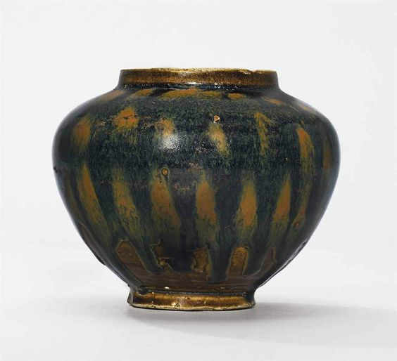 A Henan russet-splashed black-glazed jar, Song Dynasty (960-1279)