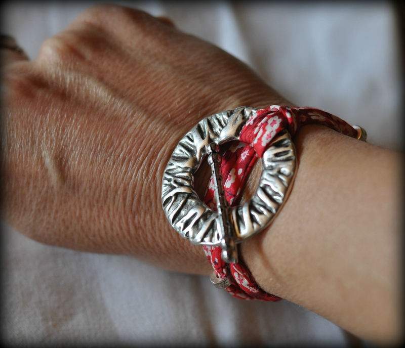 bracelet210315 (2)