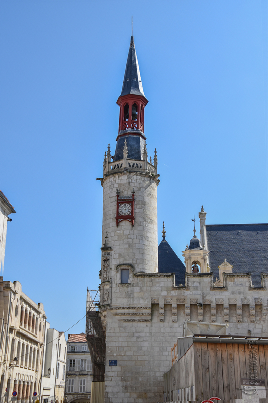 Voyage dans le temps du plus ancien hôtel de ville de France à la Rochelle (2)