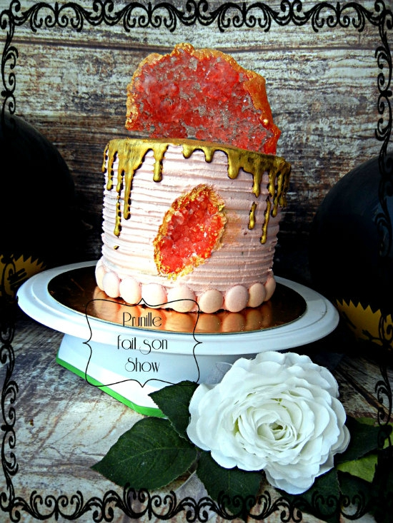 drip poke geode cake prunillefee
