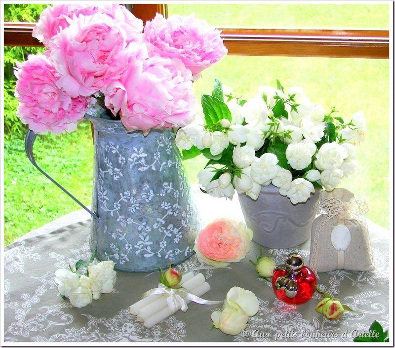 Roses, pivoines et seringat (16)