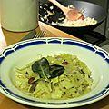 Poêlée de chou blanc (raisins secs, gingembre, cardamome) - recette végétarienne/végétale