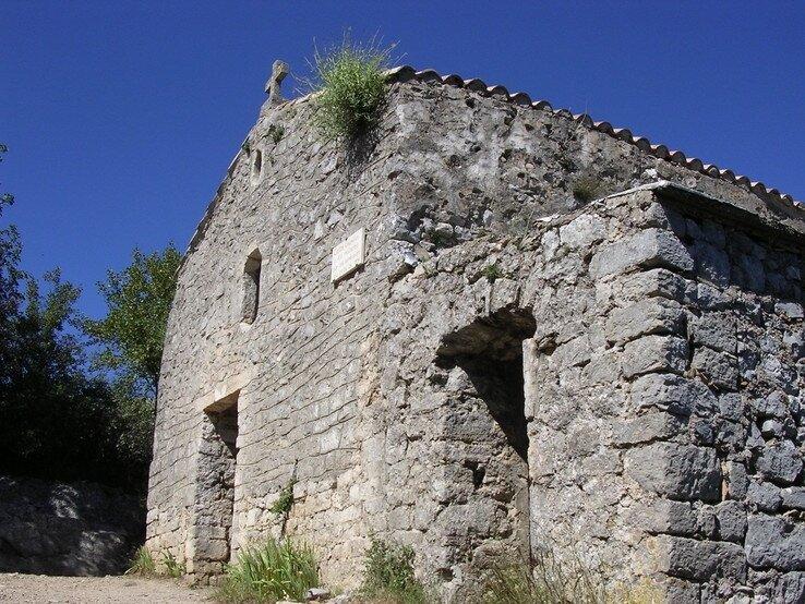 la-chapelle-du-pic-saint-loup-accueille-les-randonneurs-aux-sommet_f[1]