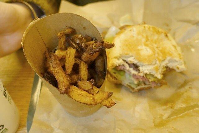 P Bio burger
