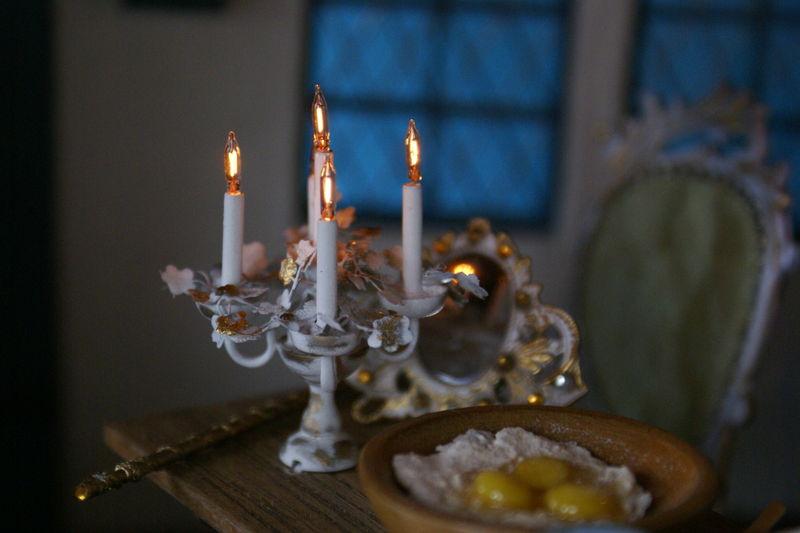 Chandelier, miroir et baguette magique