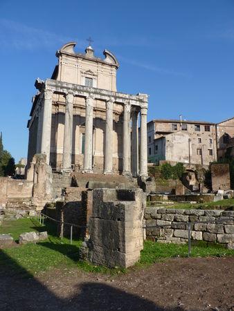 P1010084___Temple_d_Antonin_et_Faustine