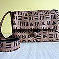Un sac en tissu basin style bogolan