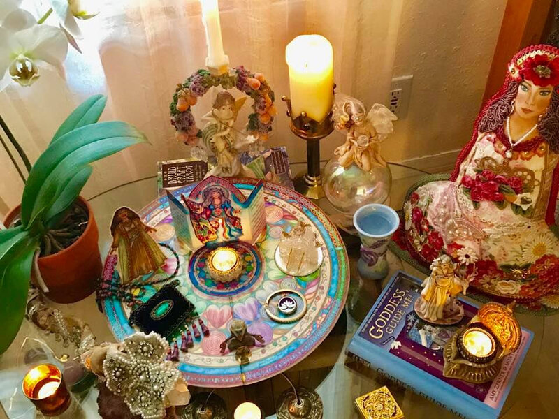 How+to+create+your+Enchanted+Heart+Wisdom+Altar+Banner