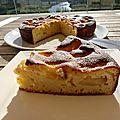 Gâteau aux pêches et au fromage blanc