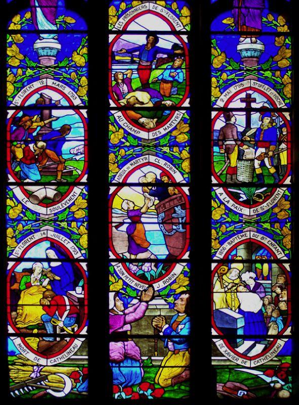 Verrière retraçant l'histoire de Saint-Florent-le-Vieil