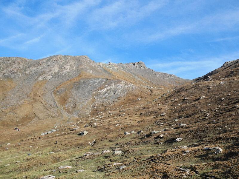 Le Col de l'Eychassier, sur la droite