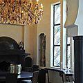 Fabrication artisanale de luminaires à pampilles de cristal: