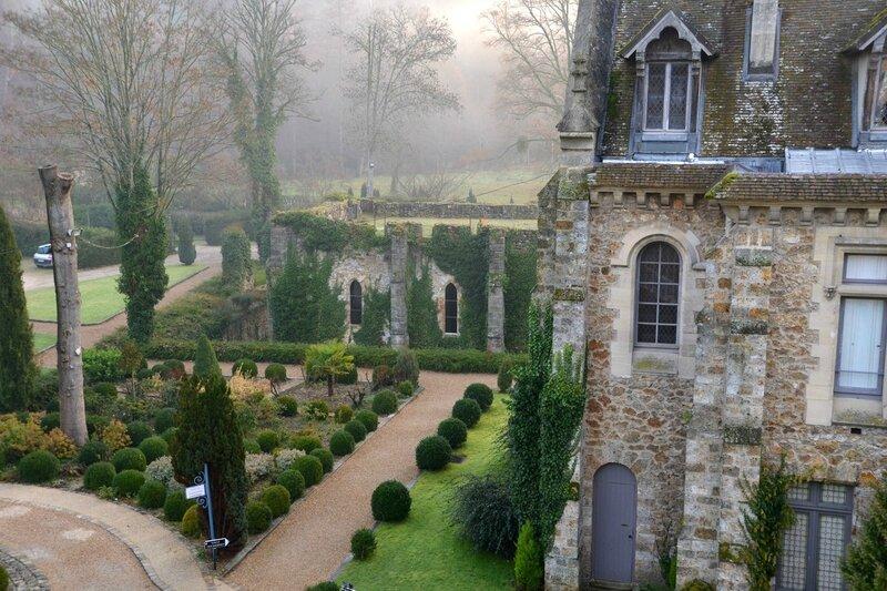 Abbaye des Vaux de Cernay 003-BorderMaker