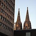 Cologne, cathédrale, flèches au loin (Allemagne)