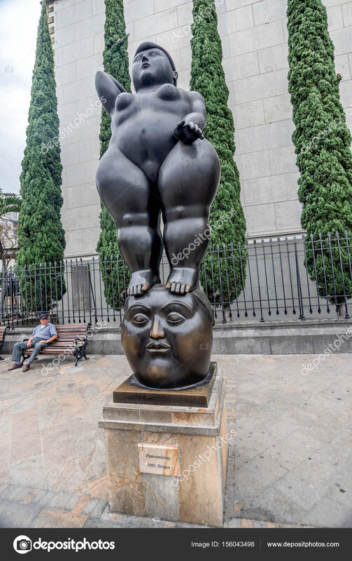 fernando_botero_sculpture_on_plaza
