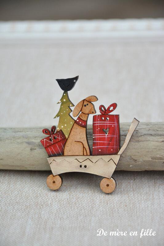 chien dans brouette de cadeaux