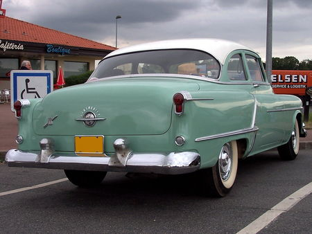 53_OLDSMOBILE_Super_88_2door_Sedan_2