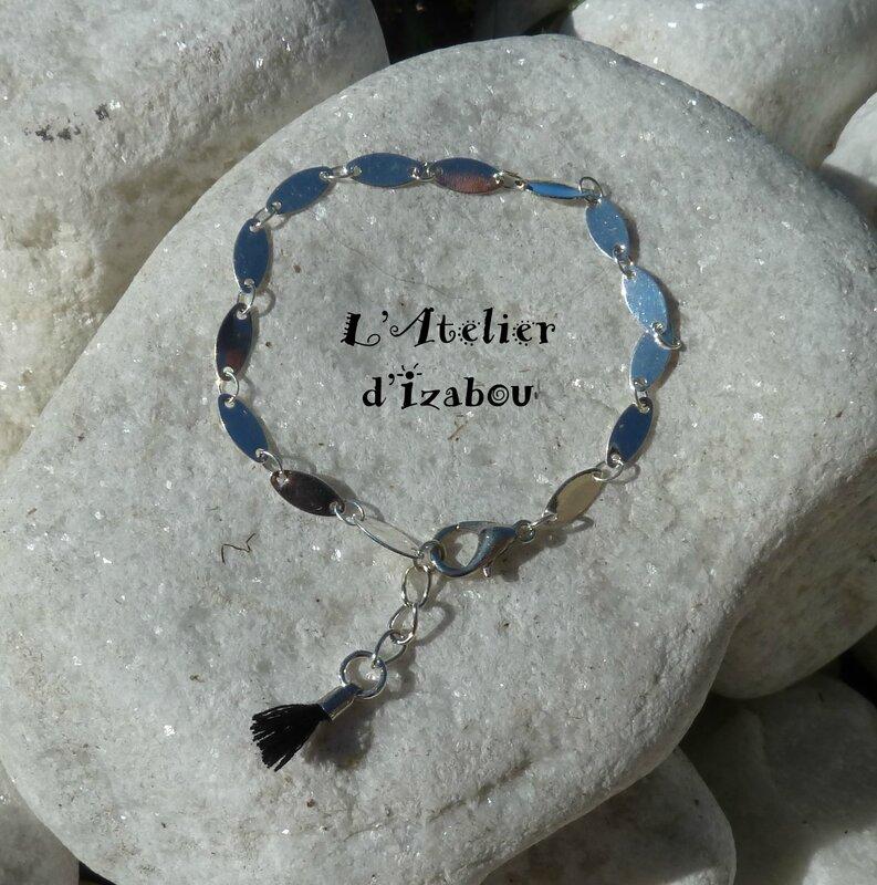 P1220463 Bracelet chaîne ovale, chaine d'aisance et pompon noir