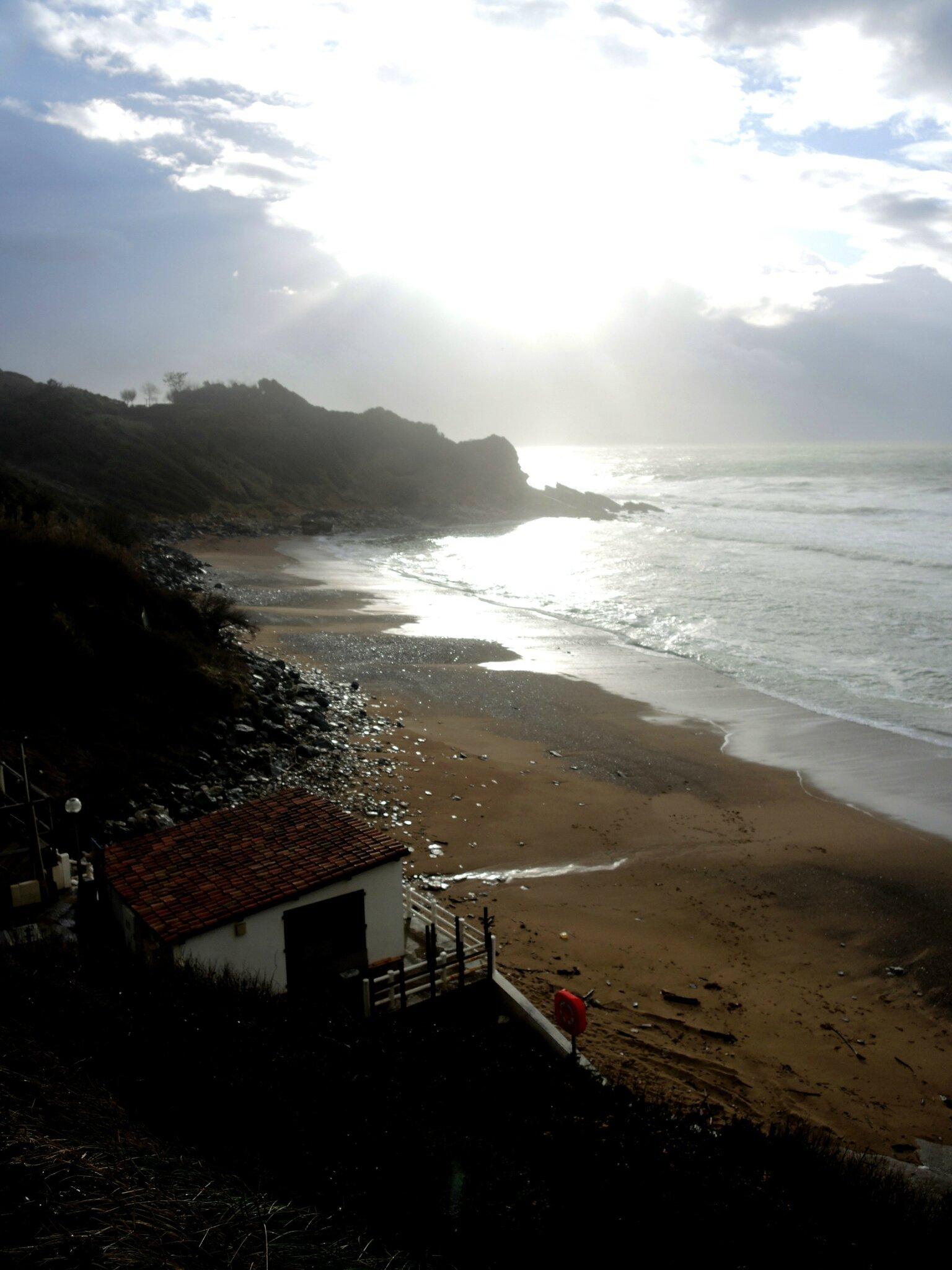 Saint-Jean-de-Luz, plage de Mayorco, mars (64)