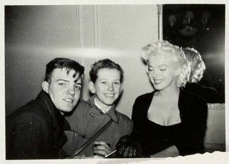 1955-01-28-NY-2-Gladstone_Hotel-030-1-with_fan-james_collins_from_monroeSix-1